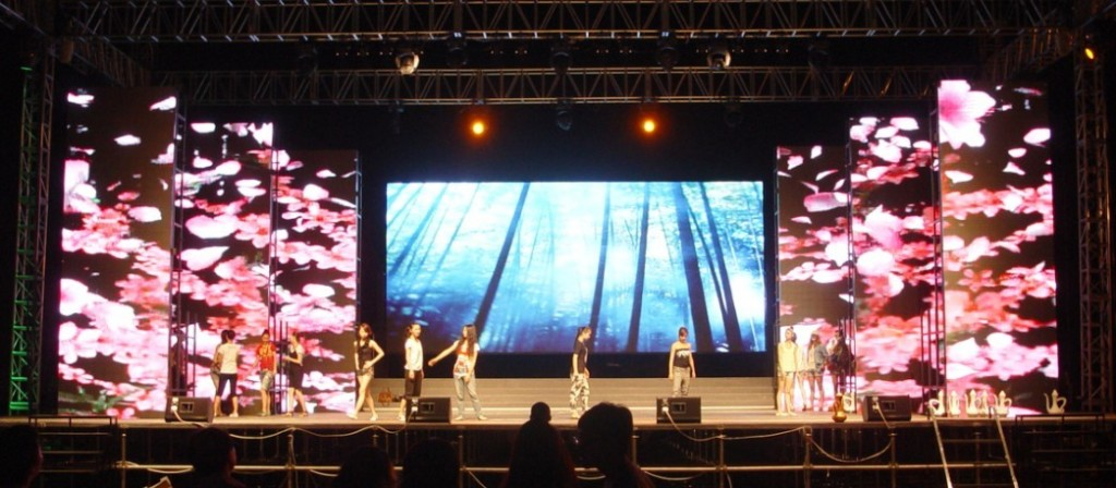 outdoor-rent-video-wall-displays-for-stage-p10-1