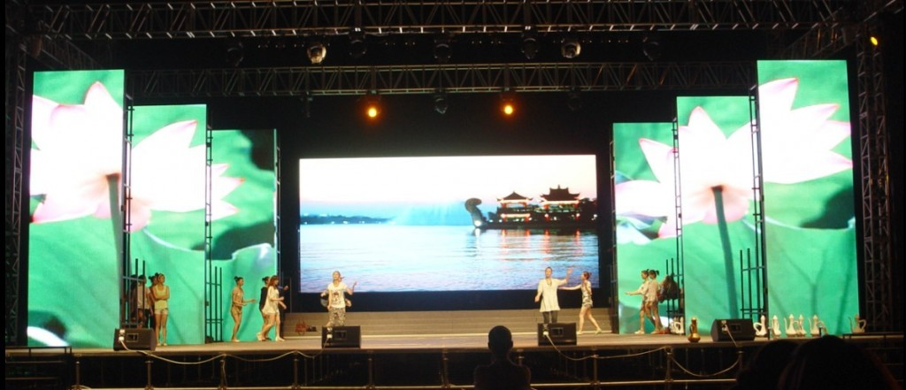 outdoor-rent-video-wall-displays-for-stage-p10-2